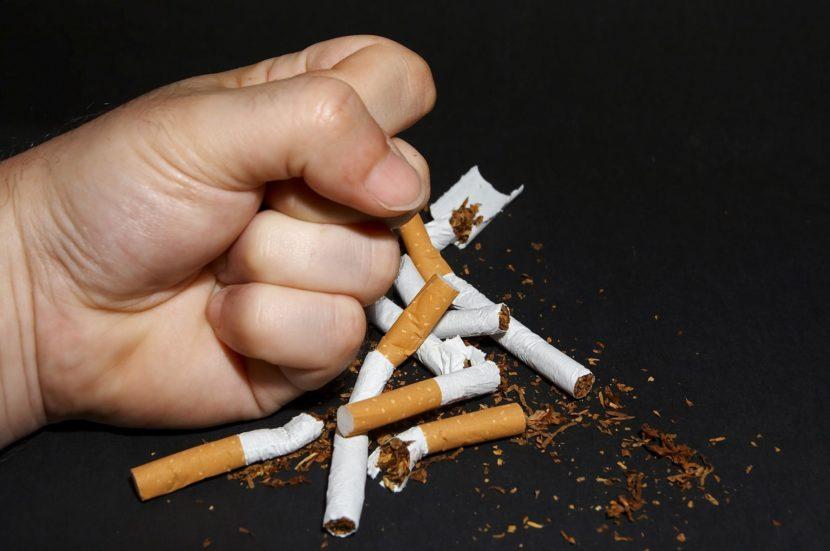 Несовместимость курения и геморроя: сложности лечения